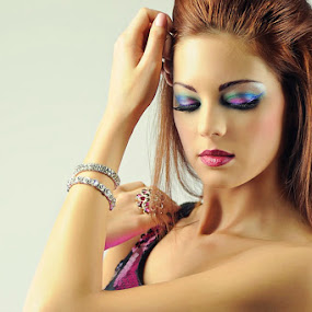 Eye Shadow by Cesar Palima - People Fashion