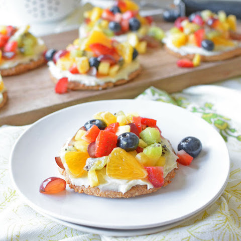 Healthy Mini Rainbow Fruit Pizzas
