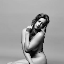 © Rampix Photography by Riaan Rampix - Nudes & Boudoir Artistic Nude ( zen-nsfw, nude, rampix photography, boudoir, rosa brighid, implied, saracen, @rampix_mk, #rampix )