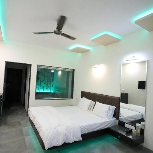 Raanjanhills Resort, Mulshi, Mulshi logo
