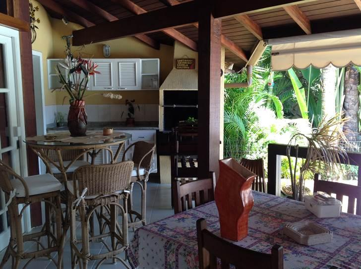 Angra dos Reis - Casa Maravilhosa  04 Suítes Garagem Naúticana Av. Boulevard Mar Azul / Condomínio Geral Bracuhy para Venda.