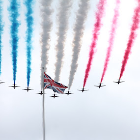 The Red Arrows During Olympic/Paralympic Parade London by Bquavs Photography - News & Events Sports