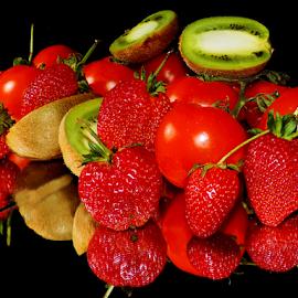 kiwi,strawvberry and tomatoes by LADOCKi Elvira - Food & Drink Fruits & Vegetables ( kiwi )