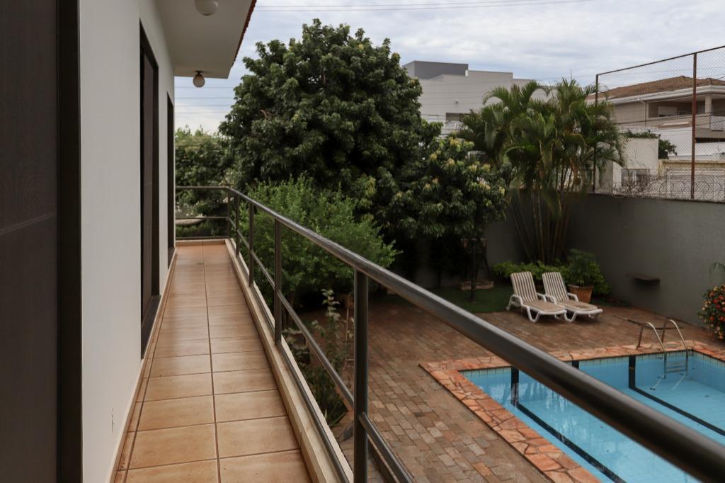 Casa com quartos para Alugar, 366 m²