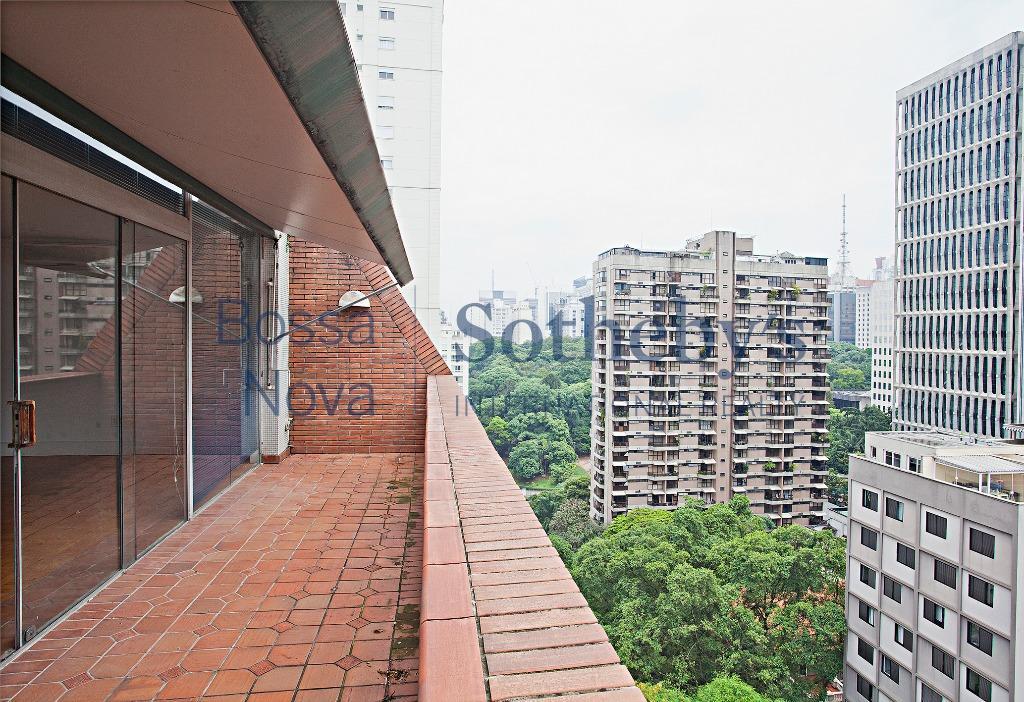 Amplo apartamento com ótima vista