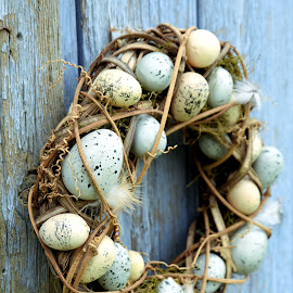 by Heather Aplin - Public Holidays Easter