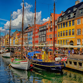 On the channel by Radu Eftimie - City,  Street & Park  Vistas ( copenhagen, houses, nyhavn, boats )