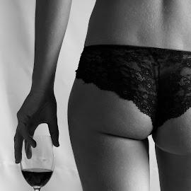 Boudoir by Ellen Thys - Nudes & Boudoir Boudoir ( sexy, lingerie, black and white, boudoir, wine glass )