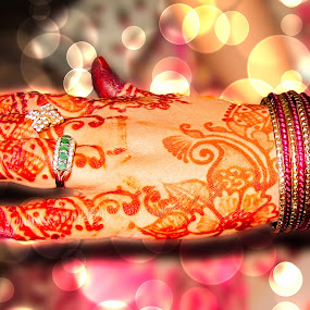 Mehndi Design by Aamir Soomro - Wedding Details ( fashion, karachi, bangles, beauty, bokeh, tatoo, henna, hand, pakistan, mehndi, details, wedding, rings, design )