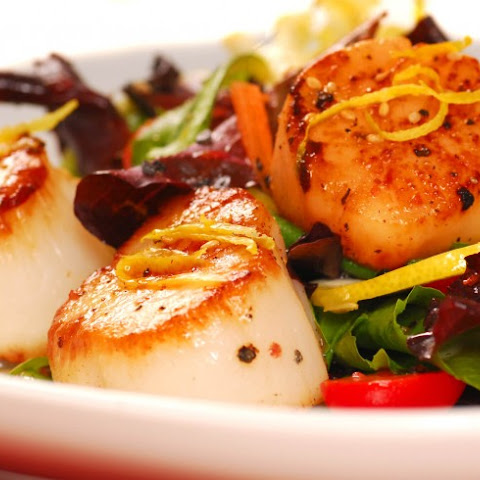Seared Sea Scallop Salad With Honey-Lime Dressing