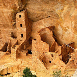 Mesa verde - Square Tower House by Gérard CHATENET - Buildings & Architecture Decaying & Abandoned