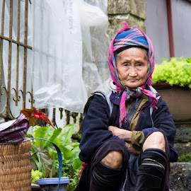 Old Lady, Sapa. by Richard Mah - People Street & Candids ( old lady, street, vietnamese, sapa, vietnam )