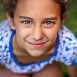 Green eyes by Dura Elisei - Babies & Children Child Portraits ( girl, green, little, smile, eyes )