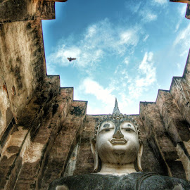 Sukothai Historical Park by Vicneswaran Kuppusamy - Buildings & Architecture Places of Worship ( religion, buddhism, buddhist, thailand, historical, architecture )