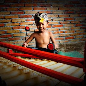 Cungklik by Tu Eka - Babies & Children Child Portraits