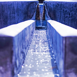 by Will McNamee - City,  Street & Park  Fountains ( dld3us@aol.com, gigart@aol.com, aundiram@msn.com, danielmcnamee@comcast.net, mcnamee2169@yahoo.com, ronmead179@comcast.net )