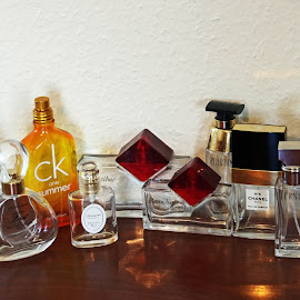 Old Scents by Ingrid Anderson-Riley - Artistic Objects Glass