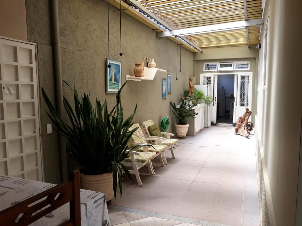 Casa com 4 dormitórios sendo 2 suítes, sala 2 ambientes 2 cozinhas varanda com churrasqueira, 2 vagas,  237 m² R$ 465.000,00 - São Benedito - Uberaba.