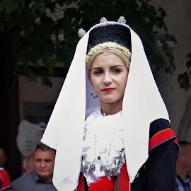 Folk customs by Alen Zita - People Musicians & Entertainers ( folk, vinkovci, croatia, women, custom )