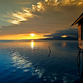 Mengintip Jingga by Asirah Abrah - Landscapes Sunsets & Sunrises ( water, reflection, sky, blue, sunset, house, waterscapes, landscape, jingg )