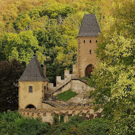 Karlštejn by Vláďa Lipina - Buildings & Architecture Public & Historical