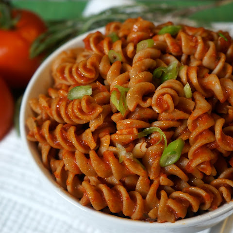 Whole Wheat Rotini Pasta with Spicy Marinara Sauce