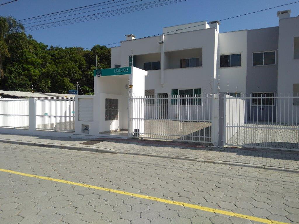 Apartamento residencial à venda, Meia Praia, Navegantes.