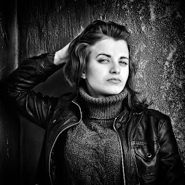 by Sergey Kuznetsov - Black & White Portraits & People ( beauty, model, girl, posing )