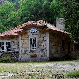 by Filipe Cardoso - Buildings & Architecture Homes