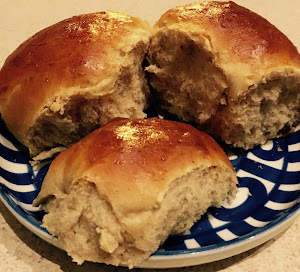 Hveder (Traditional Danish Wheat Buns)