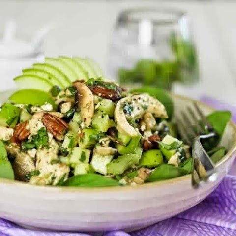 Salad With Chicken And Green Apple