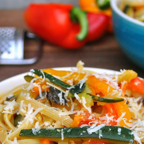 Fettuccine Pasta with Zucchini, Eggplants and Peppers