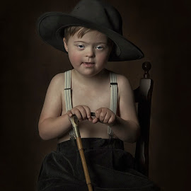 Little boy by Carola Kayen-mouthaan - Babies & Children Child Portraits ( child, fine art, boy, portrait )