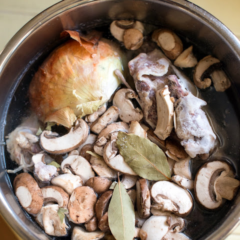 How to Make Instant Pot Bone Broth