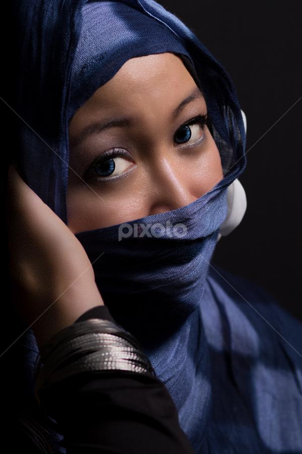 Clarity by Nanto 사파이어 - People Portraits of Women ( woman, jilbab, kerudung,  )