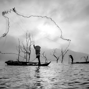 BW by Kenji Le - Landscapes Waterscapes ( fog, watercape, fishing, boat )