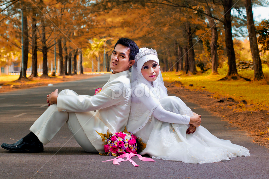 Malay Couple in The Park by Stuart Rango - Wedding Bride & Groom