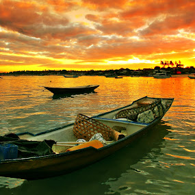 FLOAT IN RED by Alit  Apriyana - Transportation Boats
