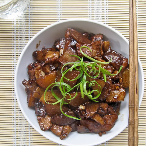 Soy Stir-fried Pork with Potatoes