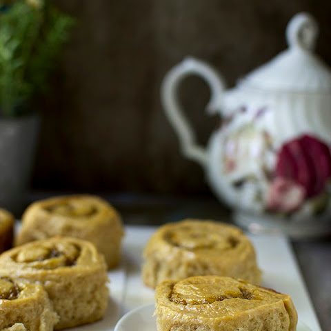 Wholewheat Sweet Rolls with Mango Filling
