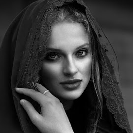 Concealed beauty by Cvetka Zavernik - People Portraits of Women ( black and white, beauty, women )
