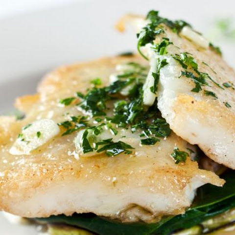 Baked Flounder Fillets with Spinach and Cream Sauce