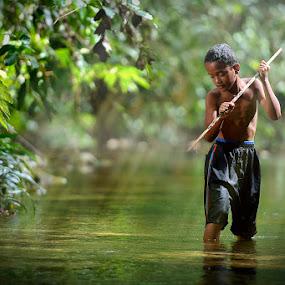 fish cacther by Chegu Diman - Babies & Children Children Candids ( diman, interest, ray of light, rol, chegu, human )