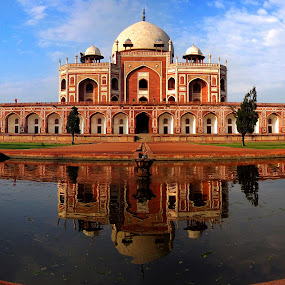 Humayun's tomb by Saptarshi Mandal - Travel Locations Landmarks ( landmark, reflection, sky, india, travel, architecture, historical )