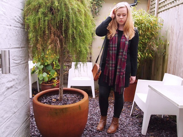 Casual jumper dress and bag for Christmas