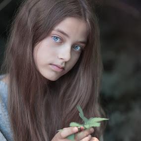 Julia by Danuta Czapka - Babies & Children Child Portraits ( canon, portrait photographers, blue, green, portrait,  )