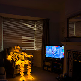 Test Card by Rob McAvoy - Abstract Light Painting ( television, light painting, led, tv, testcard, long exposure, yellow )