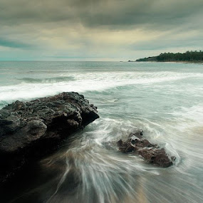 Senggigi Beach by Aries Putranto - Landscapes Waterscapes