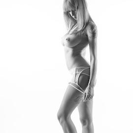 Natasha by Reto Heiz - Nudes & Boudoir Artistic Nude ( studio, sexy, topless, nude, highkey, sensual, dessous )