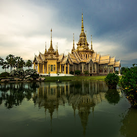 Architecture. by Ariya Namwong - Buildings & Architecture Places of Worship ( temple, beatiful, thailand, penny, architecture )